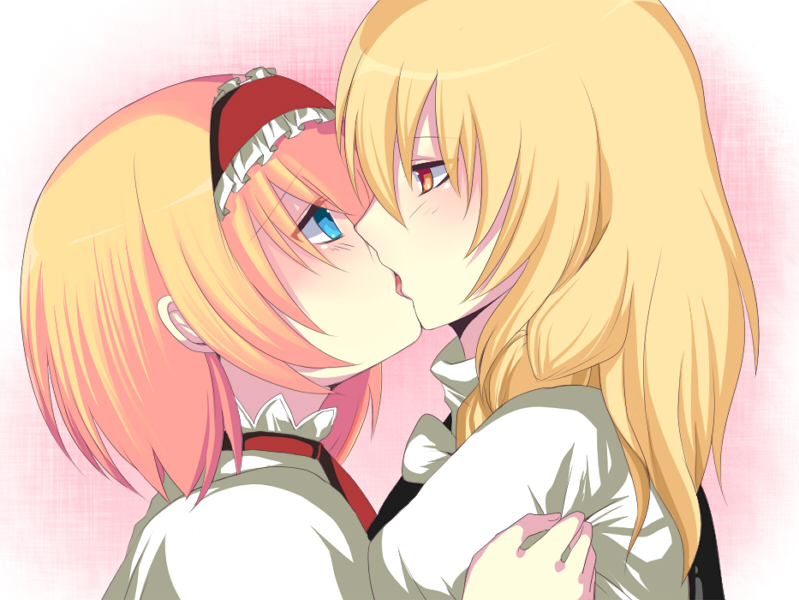 girls kissing anime: